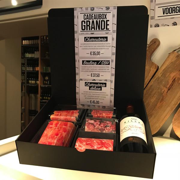 charcuterie cadeaubox cadeaupakket giftbox wijn vleeswaren droge worst ham